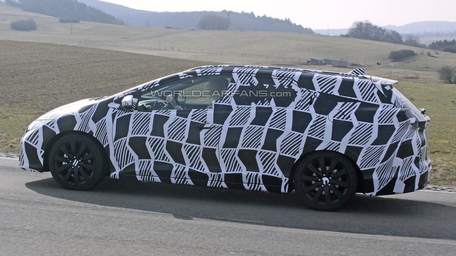 2014 Honda Civic Tourer spied