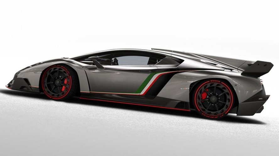 Lamborghini delivers the second Veneno to a customer in Miami [video]