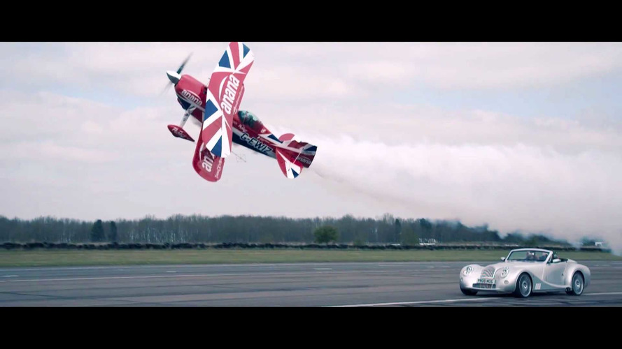 Watch This Morgan Aero 8 Fly Formation With a Pitts Biplane