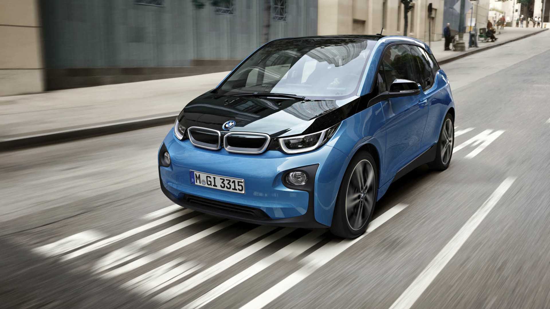 BMW Plug-In Electric Car Sales In U.S. Drop Below 1,000 In April