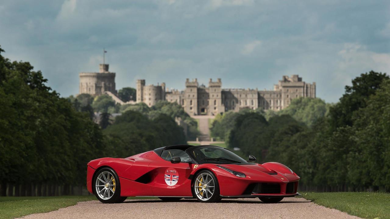 Ferrari LaFerrari Aperta Windsor Castle