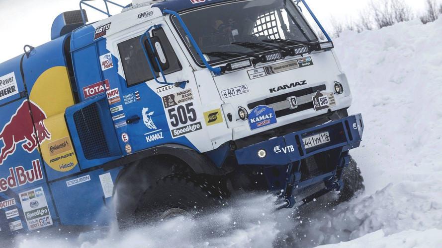 Mazda RX-8 y un Kamaz del Dakar: la extraña pareja del drift
