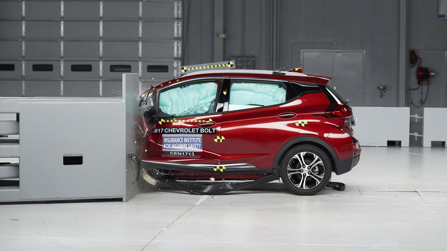 2017 Chevrolet Bolt Earns Top Safety Pick Status From IIHS