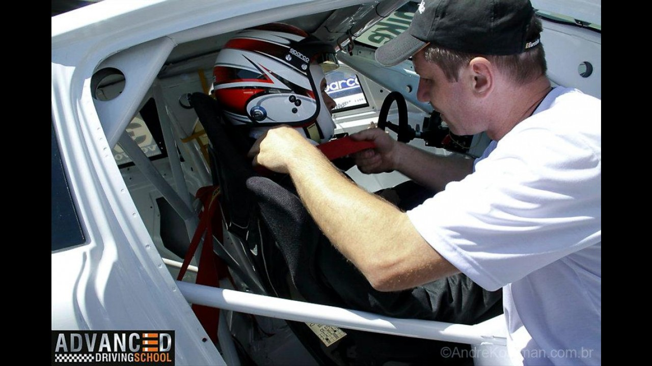 Eurobike Advanced Driving School: A experiência de se tornar um piloto profissional