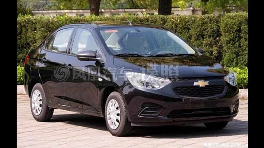 Flagra: Chevrolet Sail Sedan aparece de cara nova na China