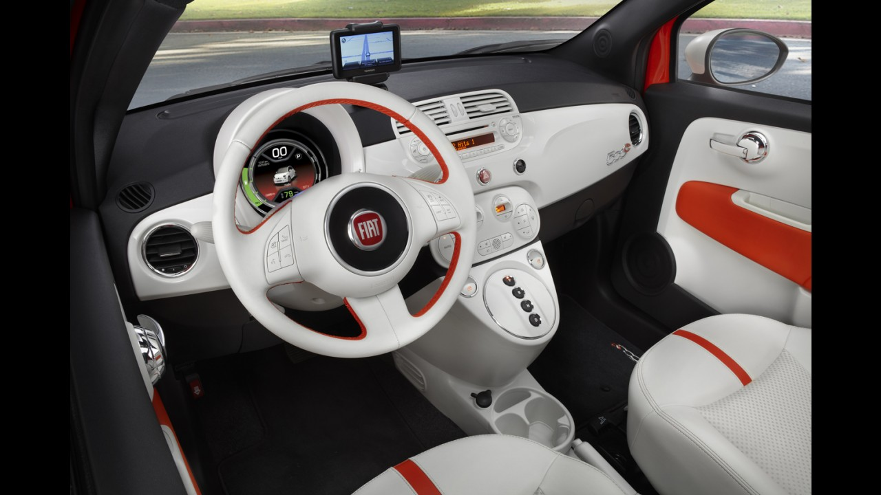 Pré-Salão de Los Angeles: Fiat apresenta compacto 500 em versões elétrica e Abarth conversível