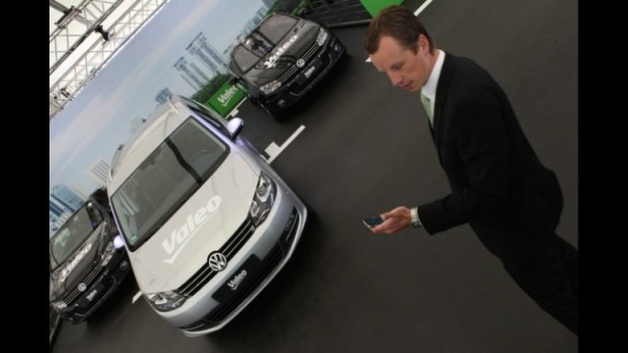 Sistema possibilita estacionamento de veículos com uso de iPhone