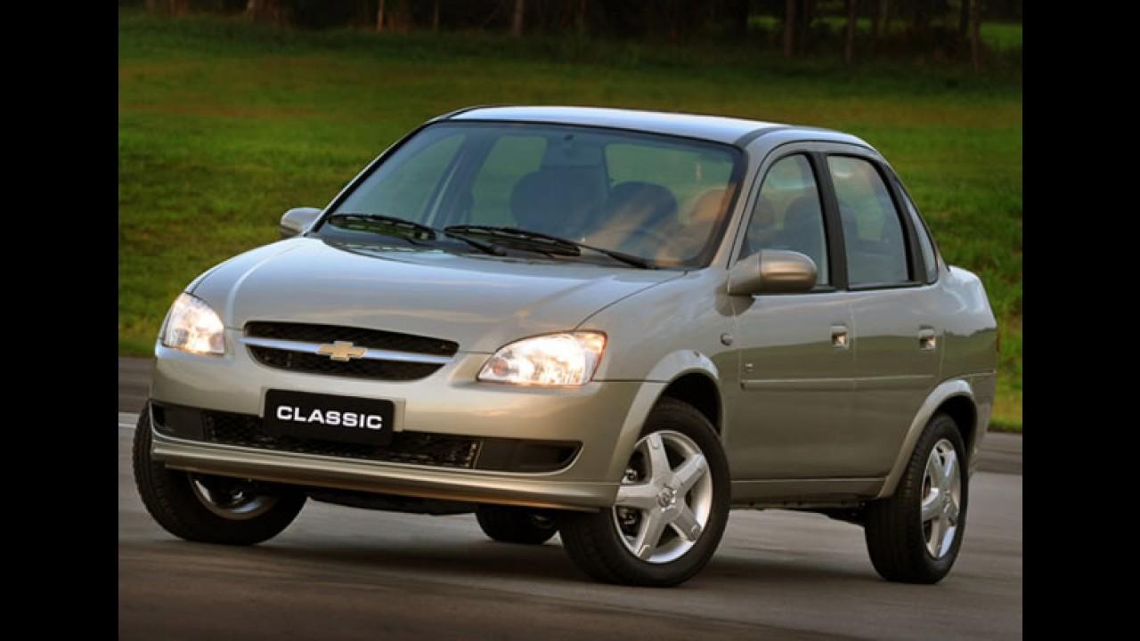 Leitor flagra Novo Chevrolet Classic a caminho da concessionária