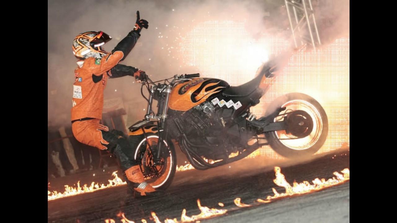 Dr. Pirelli oferece 5 pares de ingresso para o Salão Duas Rodas 2011 - Concorra!
