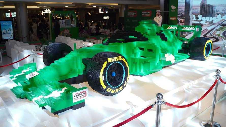 Un coche de Fórmula 1 hecho con 500.000 piezas de Lego