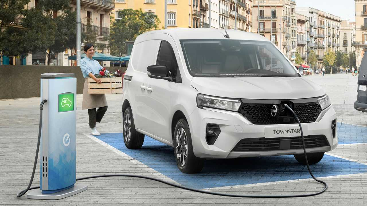 Nissan Townstar: Neuer Elektrotransporter mit CCS-Ladeanschluss