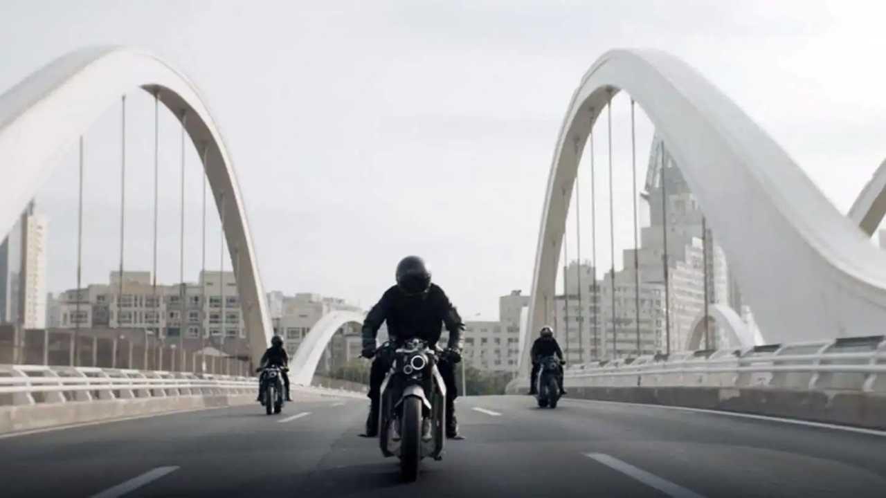 Davinci Tech Unveils Futuristic DC100 Electric Motorcycle