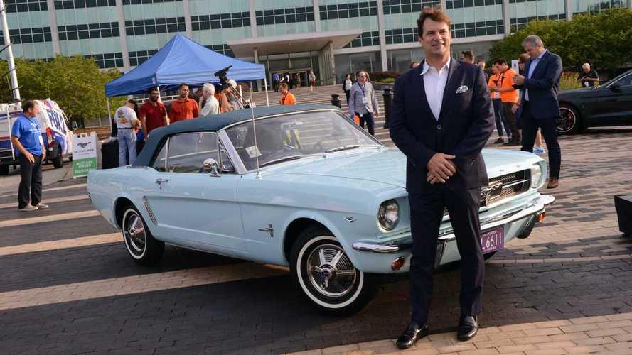 Jujur, CEO Ford Masih Punya Mobil Bensin, Mach-E Baru Rencana