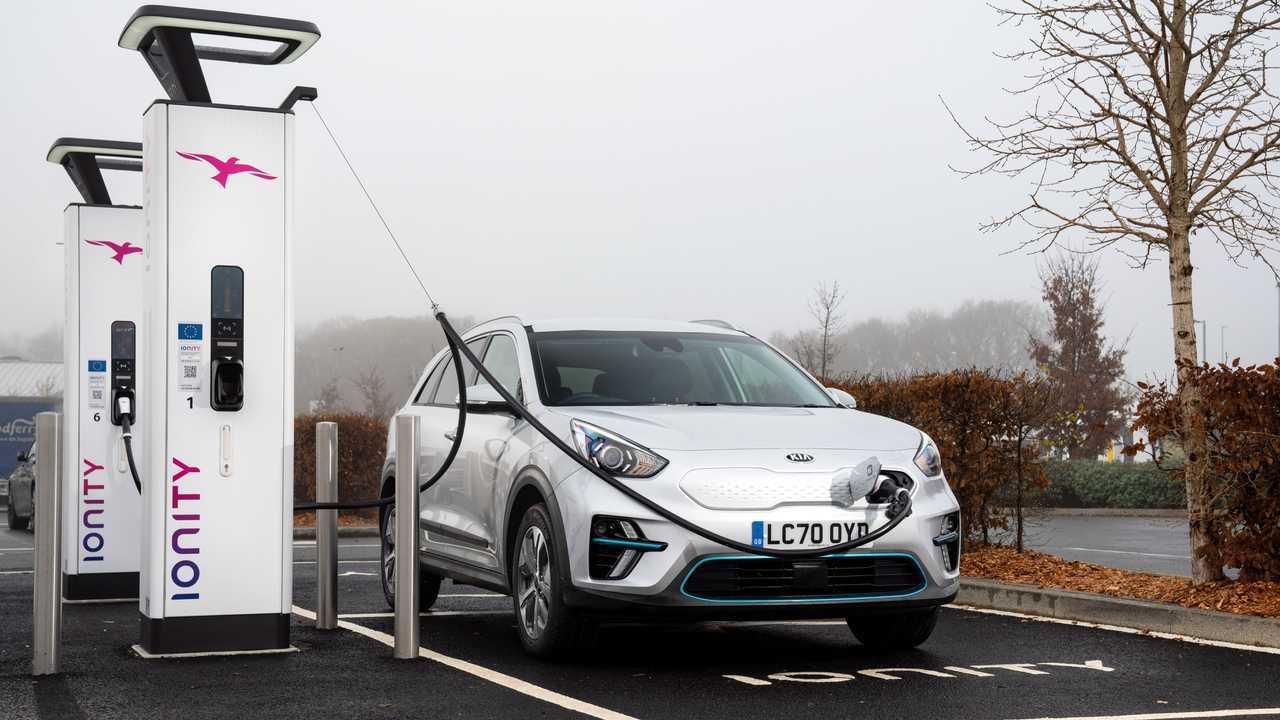 Kia Niro EV (e-Niro) fast charging at IONITY