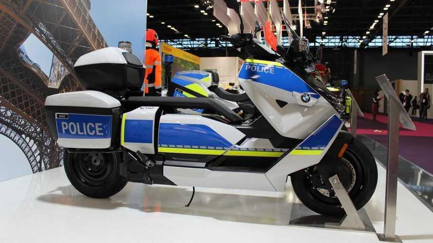 Scooter elétrico da BMW ganha versão equipada para a polícia