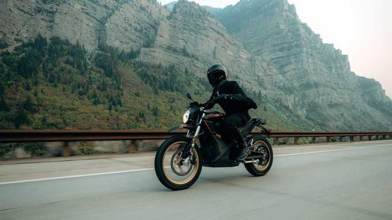 Zero Motorcycles DSR - Action