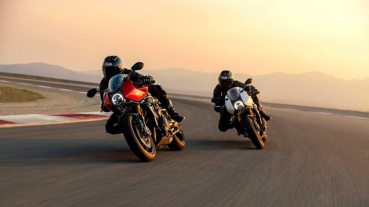 2022 Triumph Speed Triple RR - Duel
