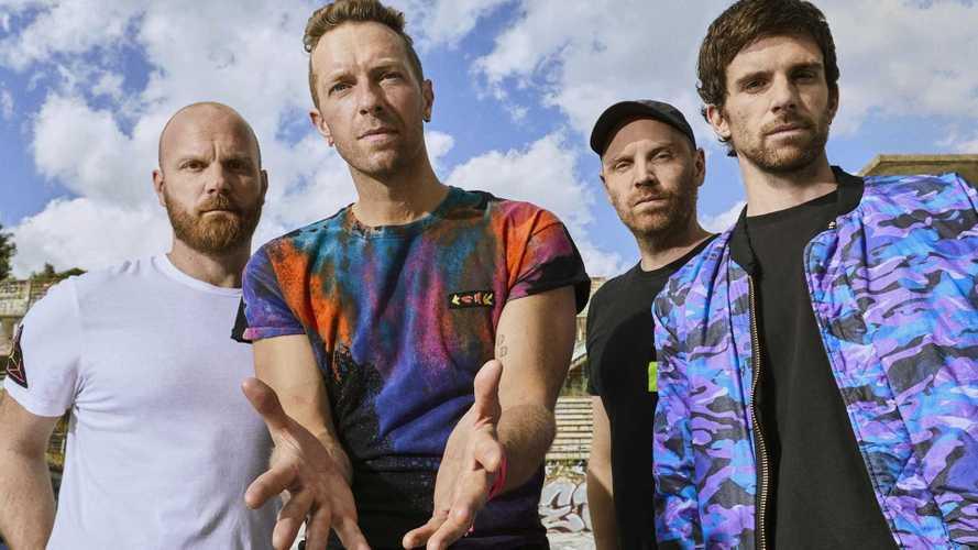 Coldplay fará turnê sustentável com baterias recicladas do BMW i3