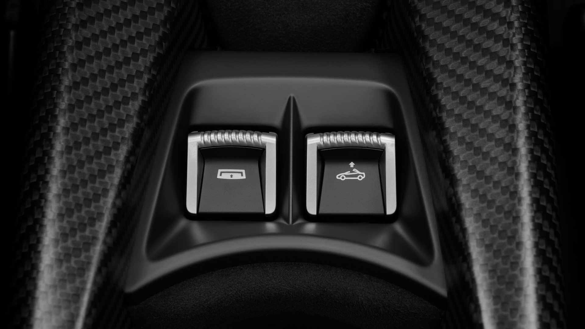 2021 McLaren 765LT Spider (buttons)