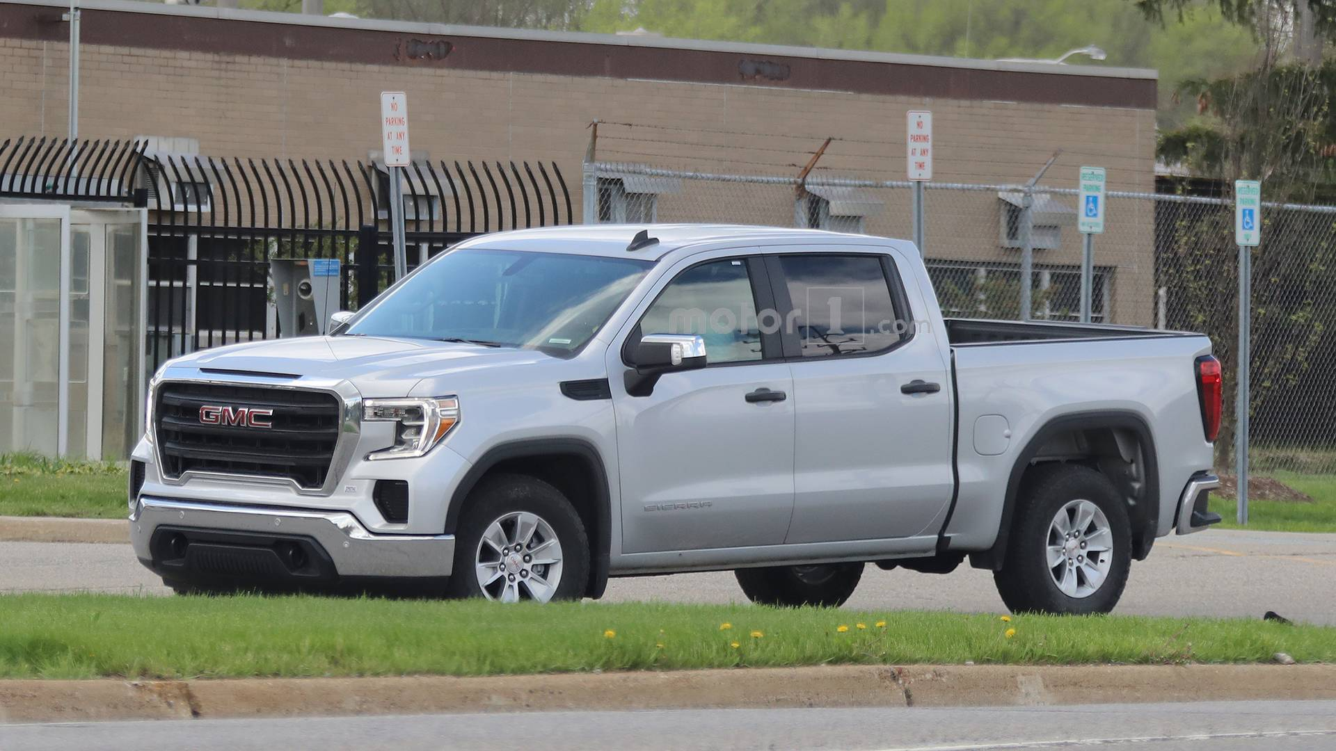 Entry Level 2019 Gmc Sierra 1500 Spied Looking Quite Restrained