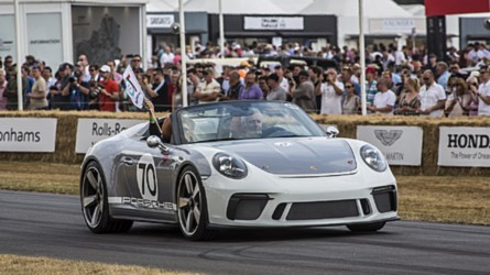 Porsche 911 Speedster brings its retrolicious body to Goodwood
