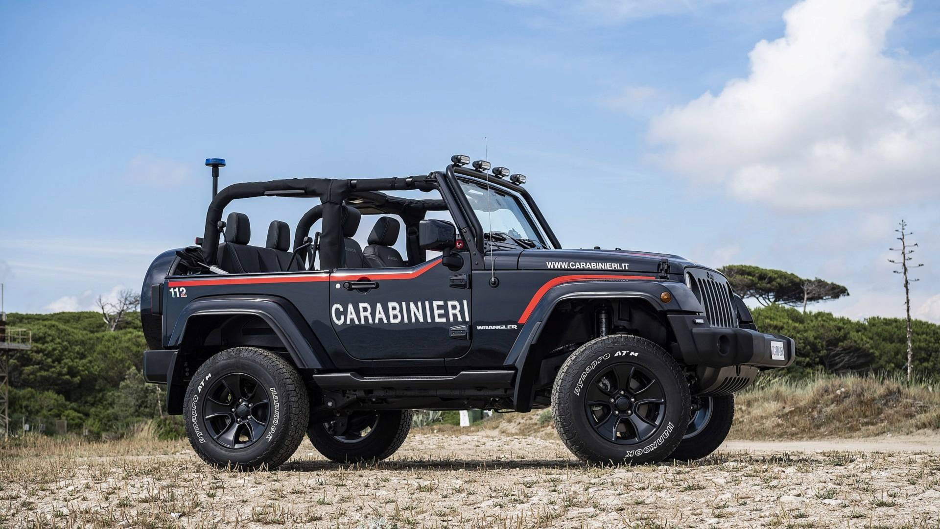 Italian Police Keep Beaches Safe With This Custom Jeep Wrangler