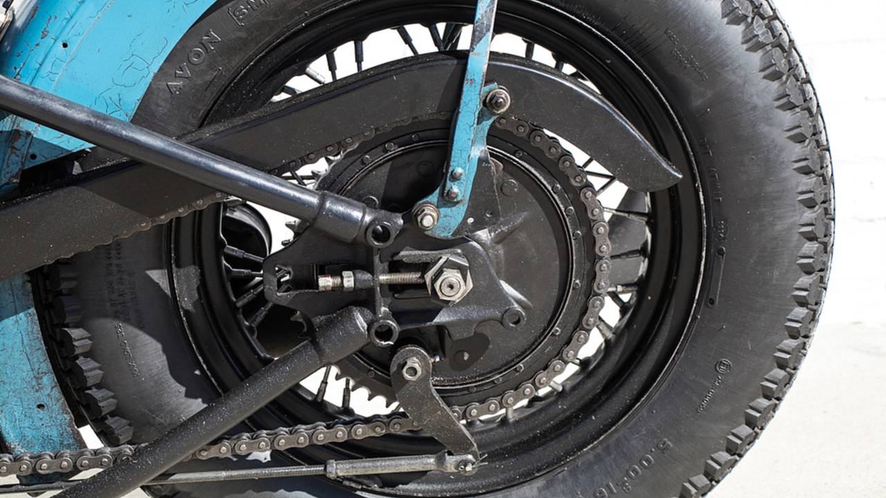 <strong>A good look at the rear triangle of the hardtail frame. Who needs rear suspension...</strong>