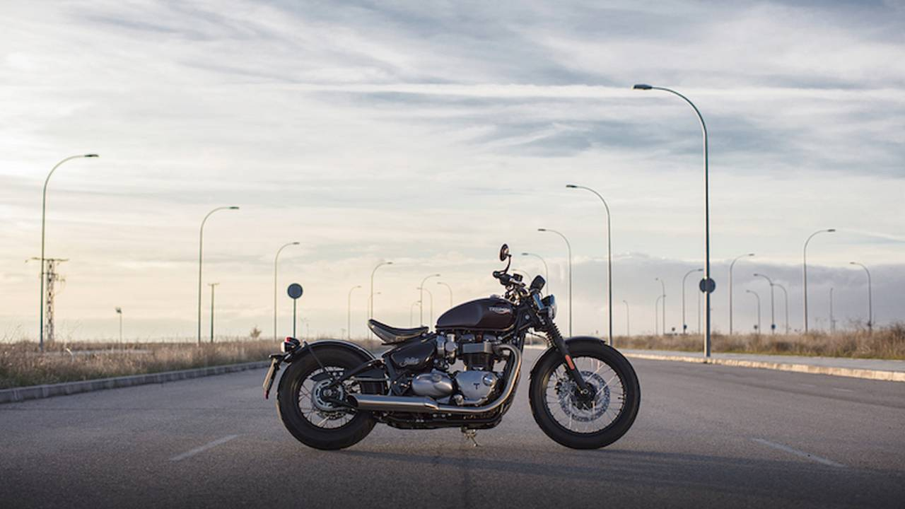 2017 Triumph Bonneville Bobber – First Ride