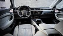 Audi e-tron, le foto dell'abitacolo