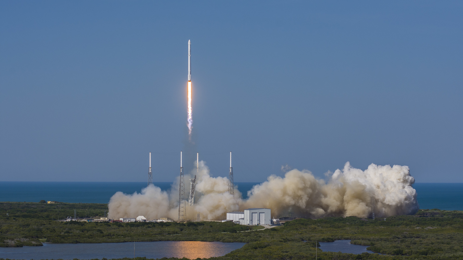 Spacex Falcon 9 Rocket Launch And Booster Landing Motor1