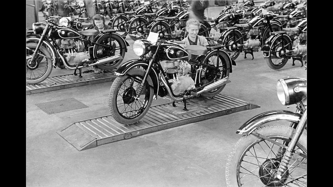 17. Dezember 1948: Neustart mit Motorrädern