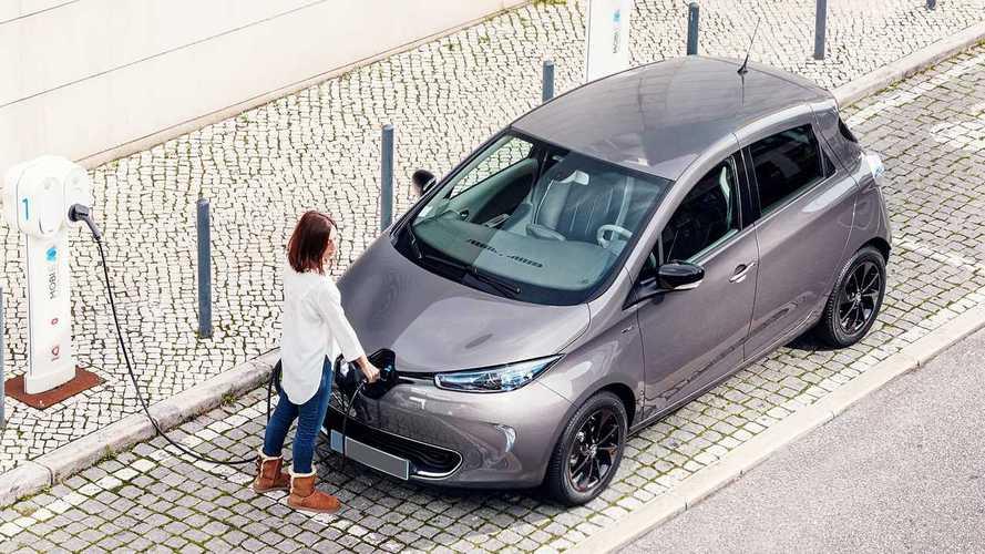 Auto elettrica: boom ad aprile, ma la CO2 aumenta