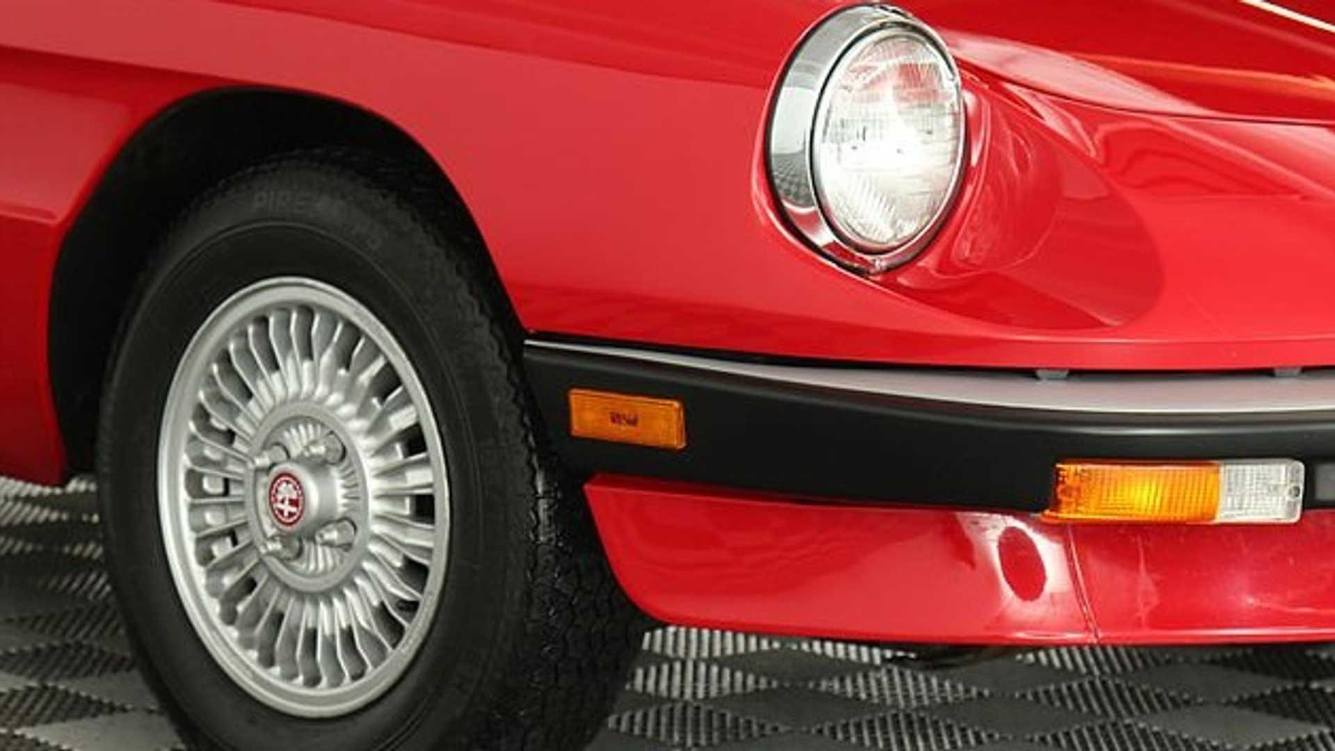 """[""""1990 Alfa Romeo Spider Graduate""""]"""