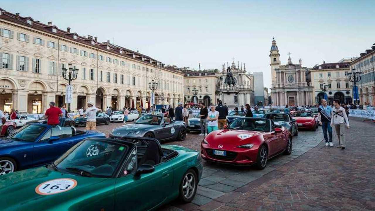 Il raduno a Torino per i 30 anni della Mazda MX-5