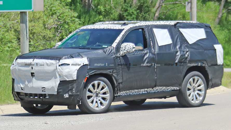 Chevrolet Tahoe High Country Spied Trying To Hide Chrome Face