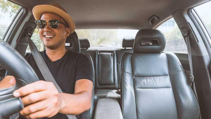 Young drivers' insurance costs fall amid coronavirus crisis