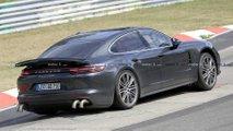 Porsche Panamera Erlkönig mit Seltsam-Auspuff könnte 830 PS haben