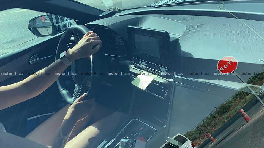 2020 Seat Leon unveils cabin design in new spy photos
