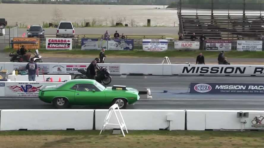Watch A Ninja ZX-14R And A 900-Hp Cuda Hemi Go Mano A Mano