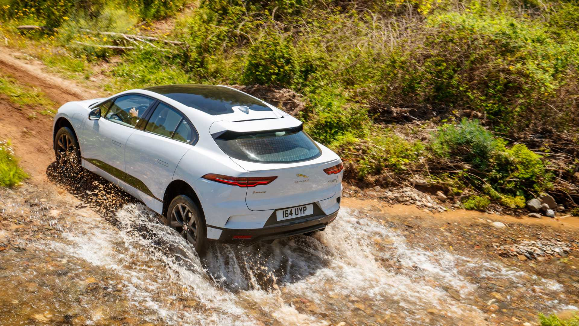UK Supports Jaguar Land Rover's Electrification Investment