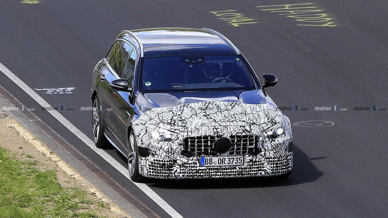 Photo d'espionnage 2020 du Mercedes-AMG E63 Wagon