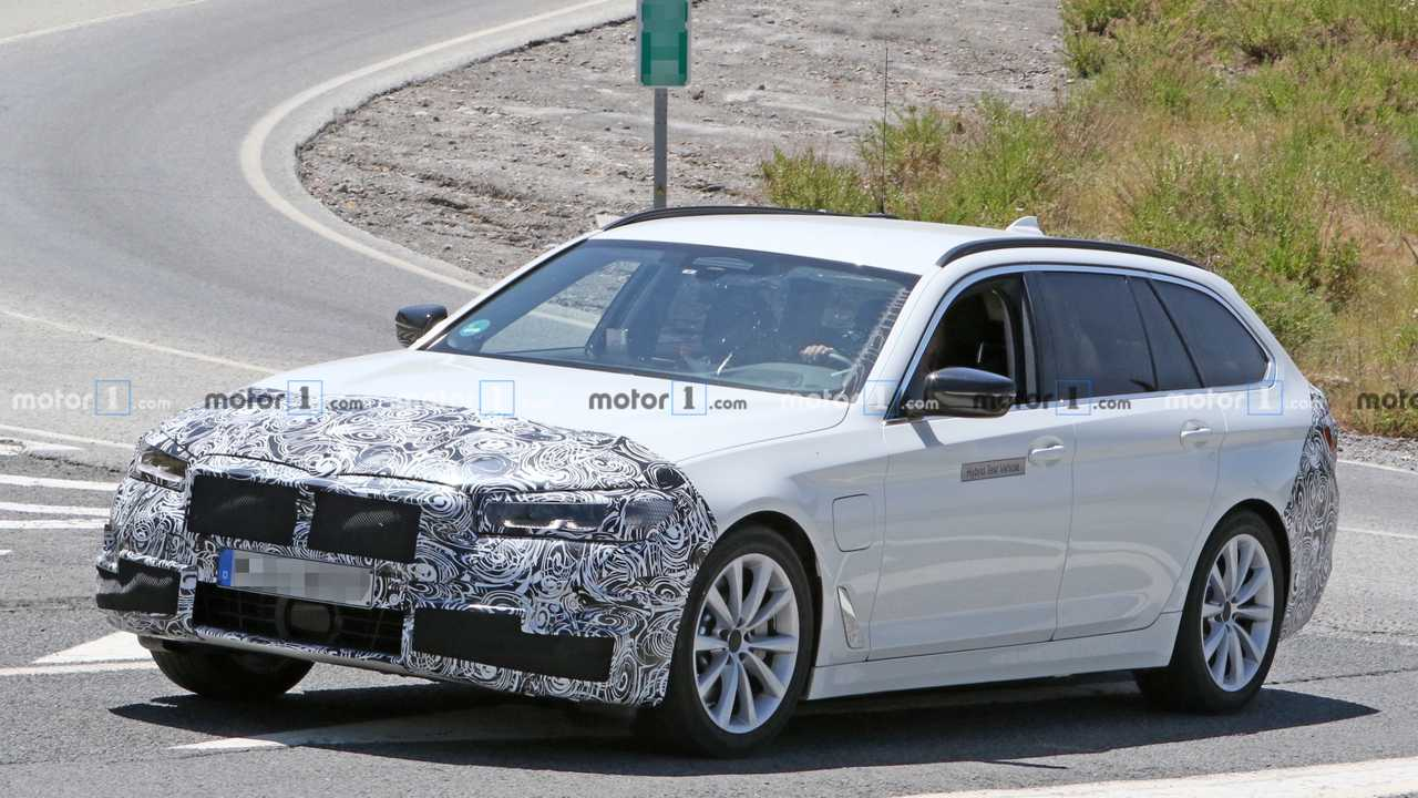 BMW Serie 5 restyling, le foto spia