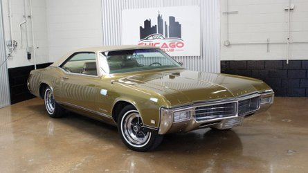 1969 buick riviera puts fine american styling on display
