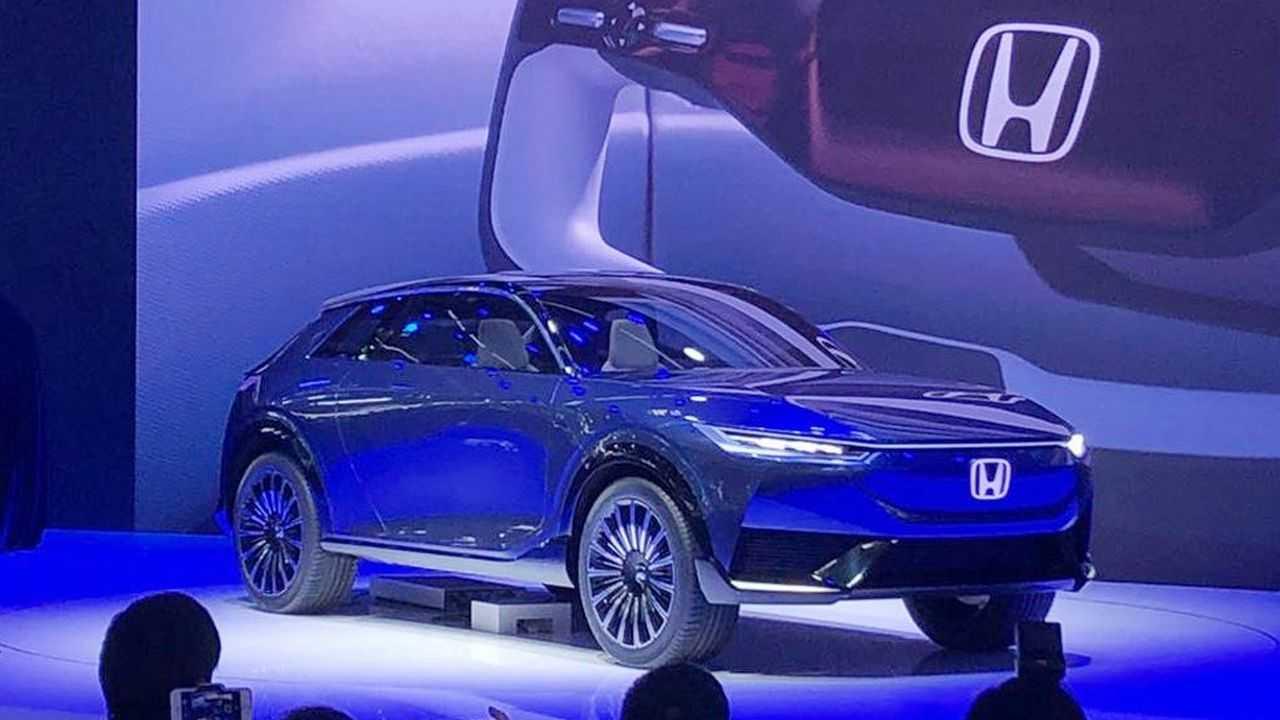 Honda E:Concept - SUV elettrico - anteriore