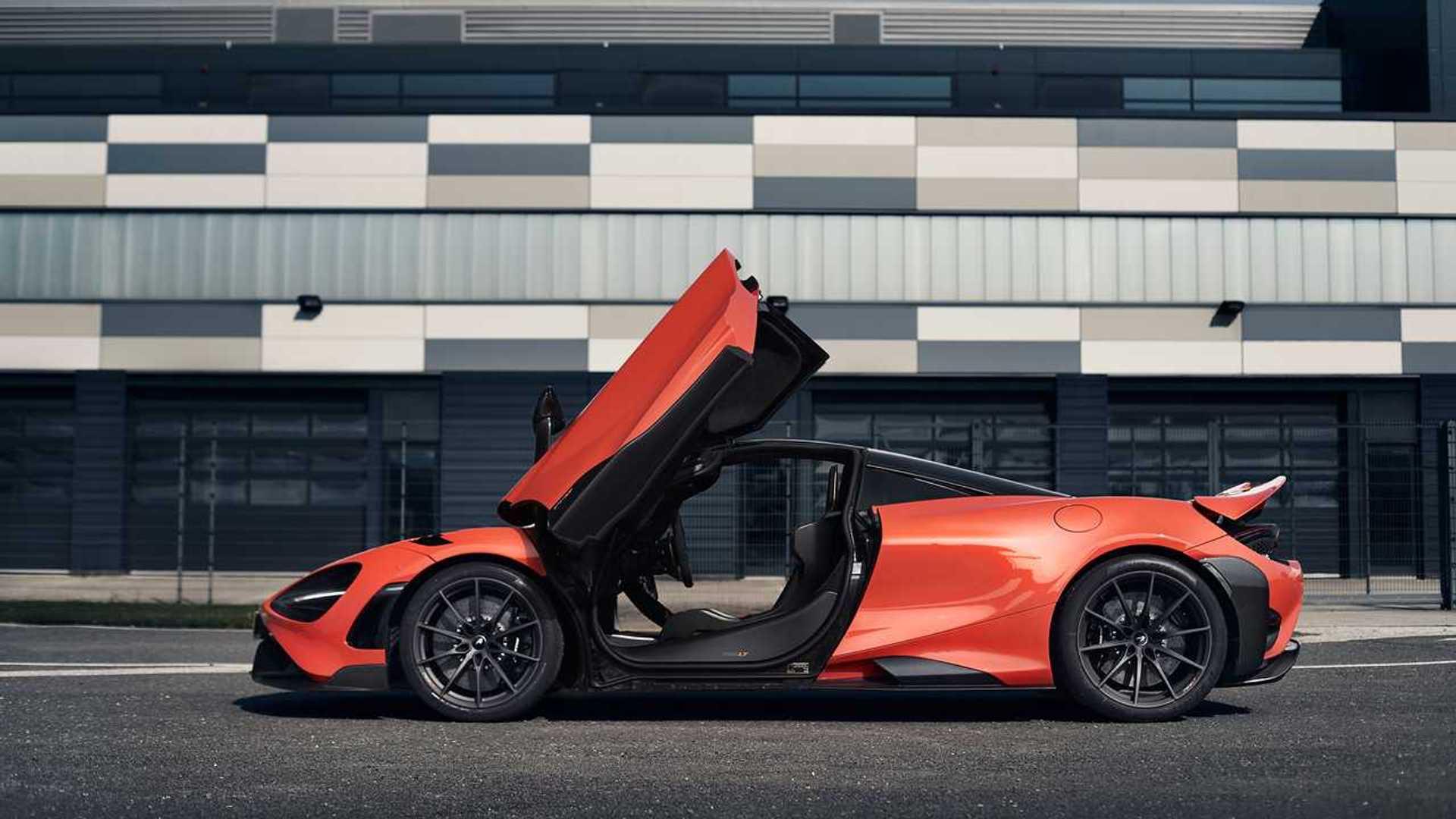 2021 McLaren 765LT profile doors open