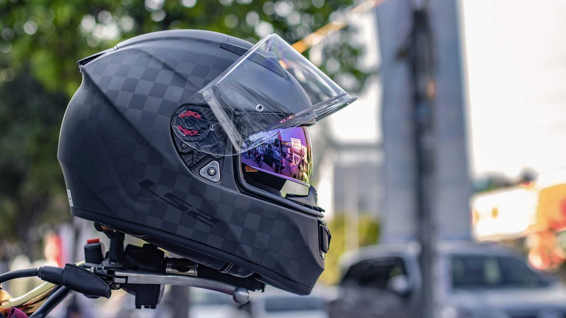 The 6 Motorcycle Helmets Types, How They Fit Your Riding Style