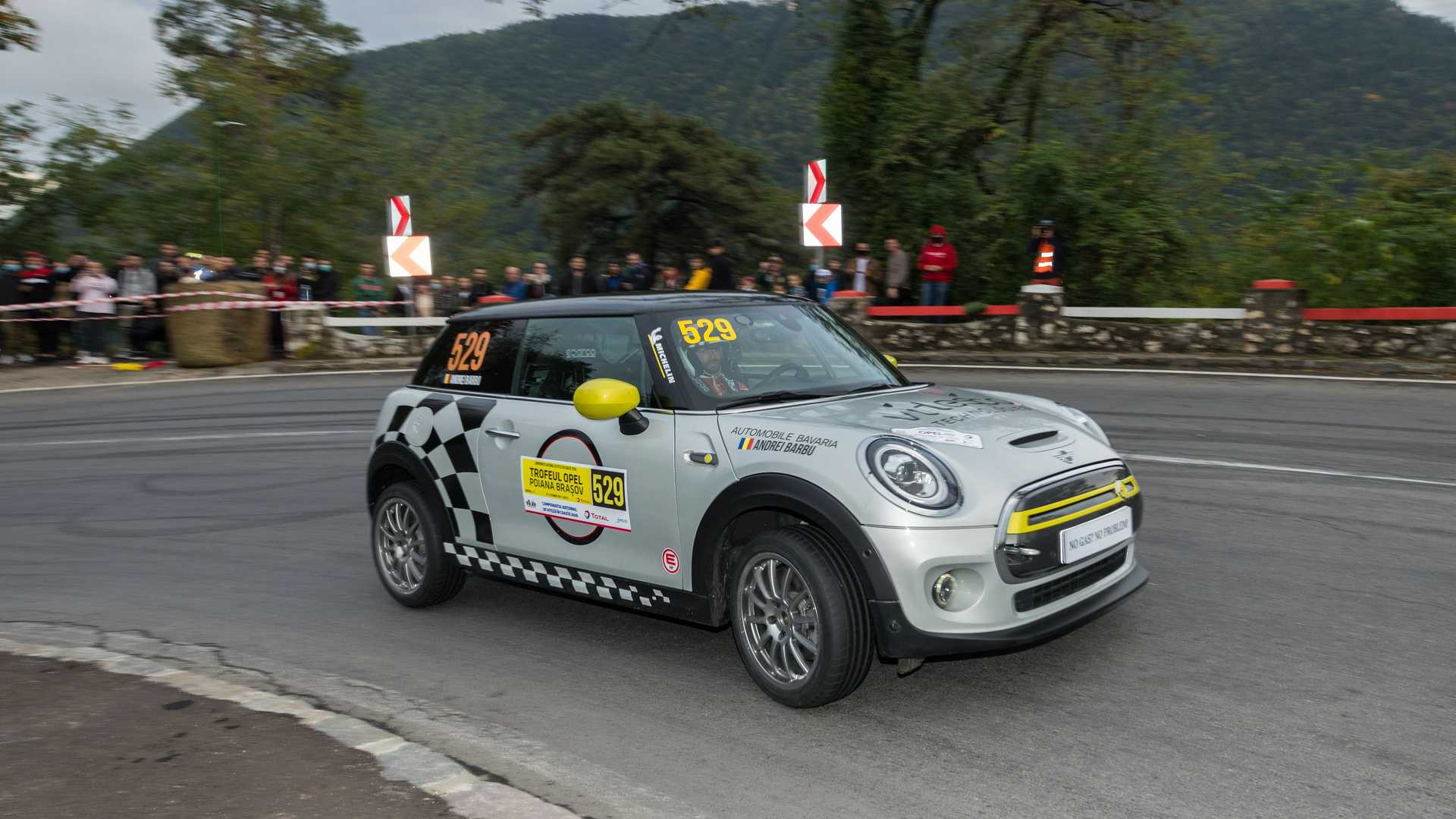 Stripped Out MINI Cooper SE Makes Rallying Debut In Romanian Hillclimb Stage