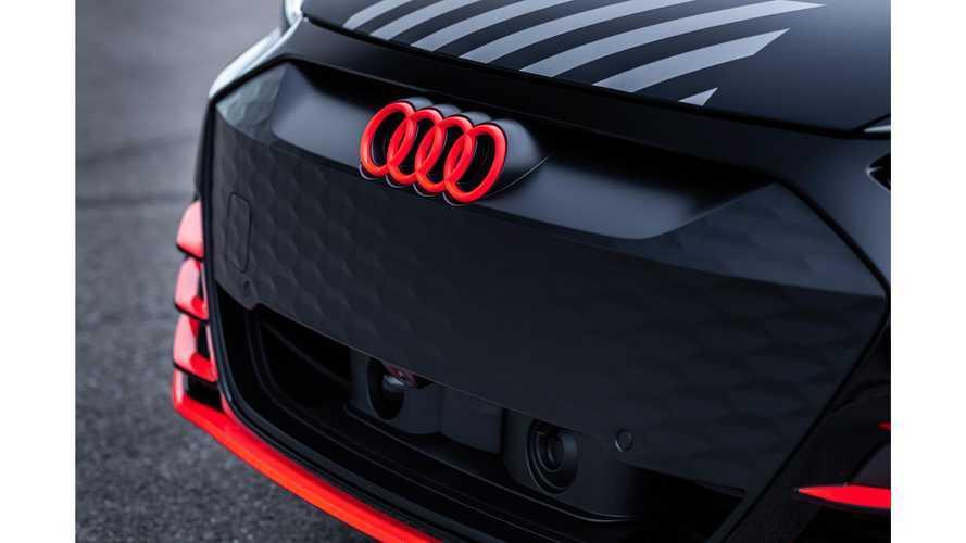 Álcafóliával is nagyon vadul mutat az Audi E-Tron GT