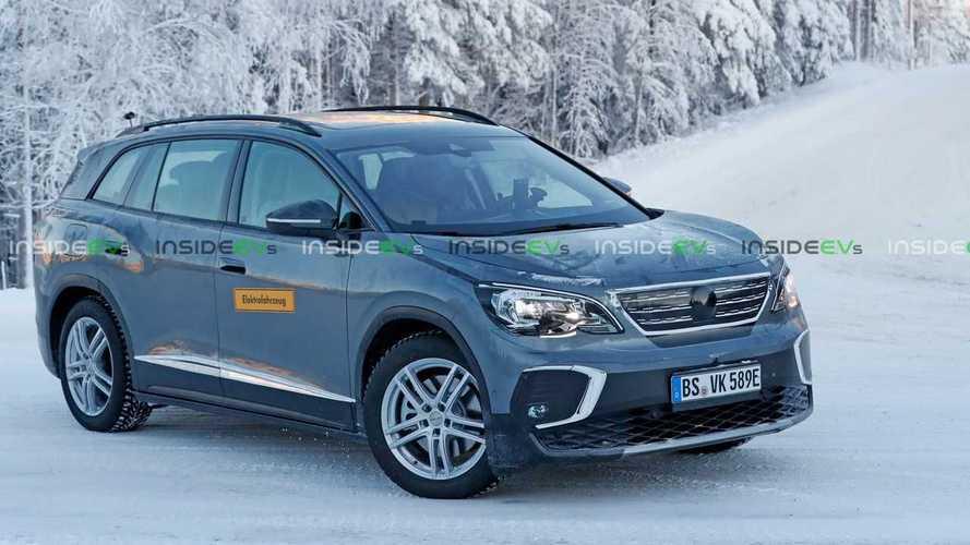 Volkswagen ID.6 замаскировали под Peugeot