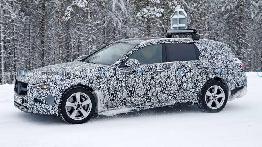 New Mercedes C-Class Spy Photos Catch Wagon Winter Testing